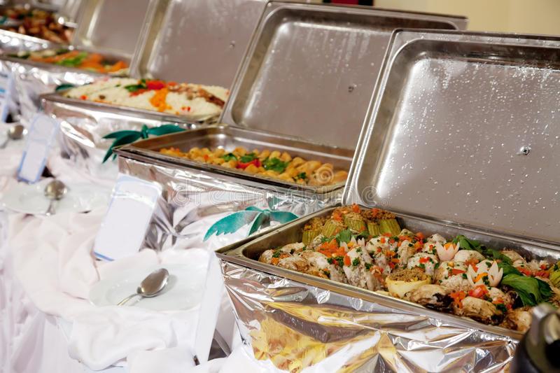 Kookgroep 'Onder de pannen'  kookt een driegangenbuffet voor u